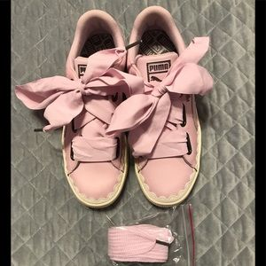 Puma pink leather tennis shoes